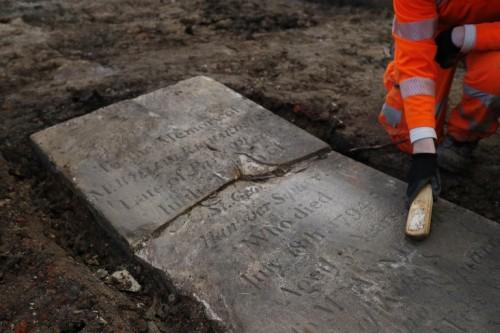 العثور على هياكل عظمية في مقبرة بجامعة ويلز ببريطانيا