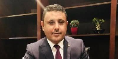 اليافعي: الانتقالي يقاتل الحوثي وقوات الرئاسة تحارب الجنوب لصالح الإخوان