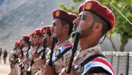 رويترز: القوات الجنوبية سيطرت على معسكرات عدن