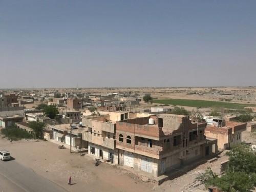 مليشيات الحوثي تقصف الأحياء السكنية في حيس
