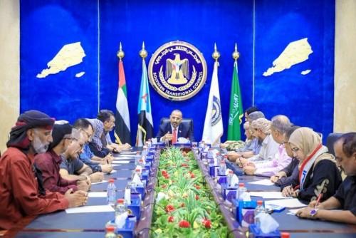 الانتقالي الجنوبي يرد على دعوة التحالف بوقف إطلاق النار في عدن