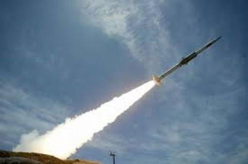 دفاعات التحالف تدمر صاروخا حوثيا في سماء مأرب