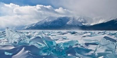 """(فيديو) ظل في الثلج ساعتين عاريًا.. نمساوي يدخل """"غينيس"""""""