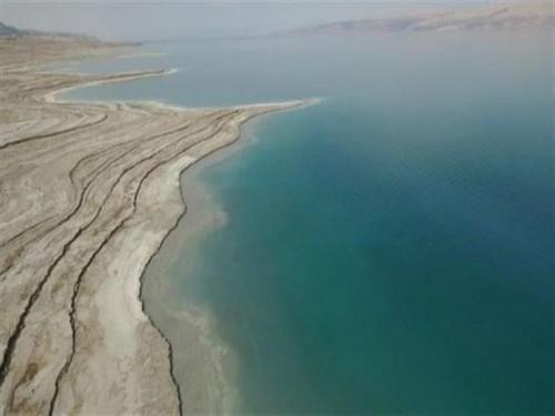 البحر الميت يسجل أدنى انخفاض له في التاريخ