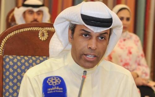 الكويت: ملتزمون بخفض إنتاج النفط