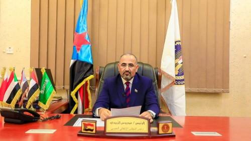 بن فريد يؤكد رفض الرئيس الزُبيدي لأي ممارسات خاطئة من القوات الجنوبية