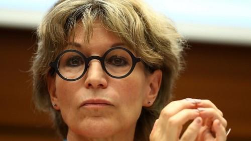 باريس ترفض انتقادها بسبب تسليم 13 داعشى فرنسي للعراق