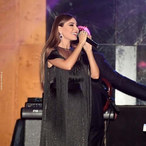 بالصور.. يارا تتألق بحفلها الأخير في لبنان