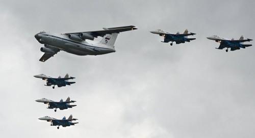 طائرات حربية لحلف شمال الأطلسي تقترب من طائرة وزير روسي