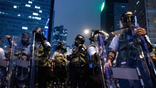 الصين تنشر قوات على حدود هونج كونج تزامناً مع تصاعد الاحتجاجات