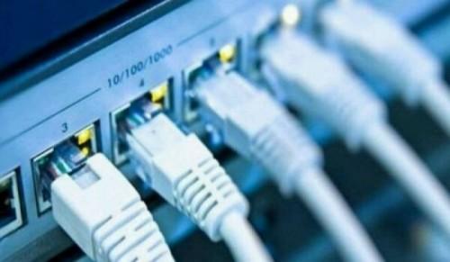 """غضب من سوء خدمة """"الإنترنت"""" في مأرب"""