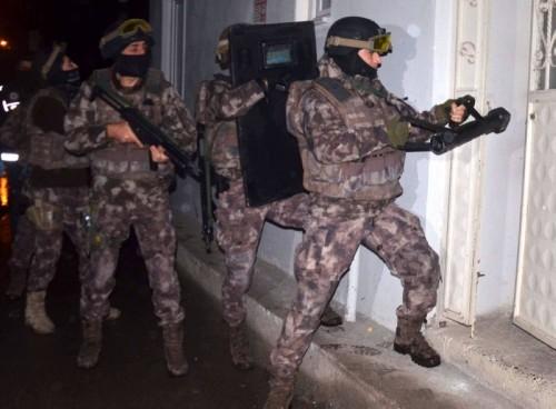 """القبض على 3 مشتبهين بالانتماء لـ"""" داعش """" بولاية أضنة لتركية"""