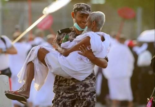 """""""الأمن السعودي"""".. عيون ساهرة لخدمة حجاج بيت الله.. """"صور"""""""