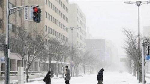 """مع اقتراب عاصفة """"كروسا"""".. اليابان تنصح 300 ألف شخصًا بإخلاء منازلهم"""