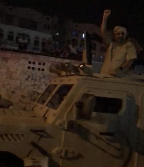قبل إنطلاق مليونية النصر..الزُبيدي يزور ساحة العروض بالعاصمة عدن(فيديو)