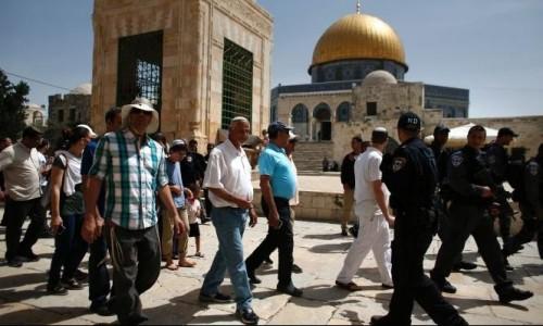 بقيادة وزير إسرائيلي.. مستوطنون يقتحمون الأقصى