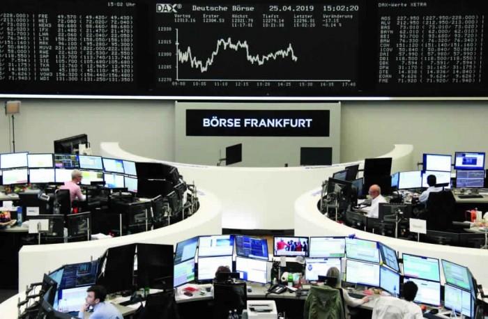 أزمة اقتصادية عالمية تلوح في الأفق.. والأسواق العالمية تتلقى أكبر صدمة