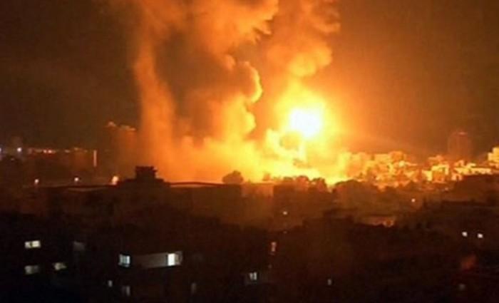 انفجارات في محيط مدينة حمص.. والدفاع السورية تتصدى لصاروخ
