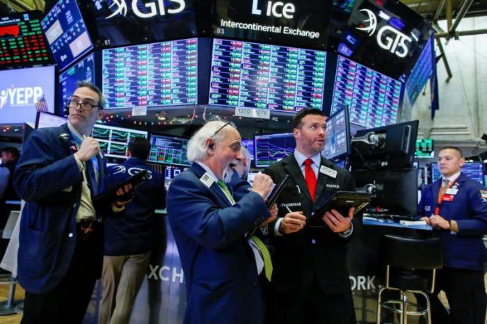 مبيعات التجزئة تمنح الثفة للأسهم الأمريكية