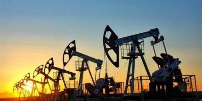 أسعار النفط تتعافى وترتفع ٢٪