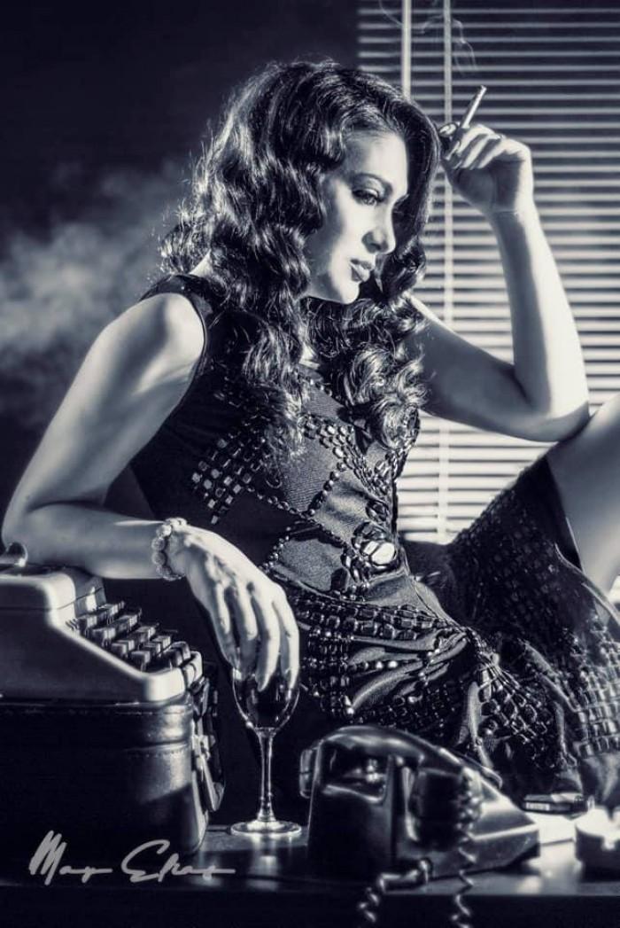 مايا نصري تلفت الأنظار بجلسة تصوير جديدة بالأبيض والأسود