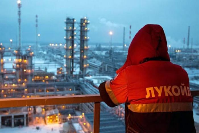 روسيا تحقق أرباح نفطية بمليار دولار  مستفيدة من عقوبات أمريكا على إيران