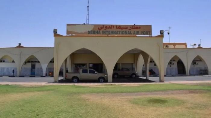 بعد توقف 5 أعوام.. مطار سبها الليبي يستأنف رحلاته (فيديو)