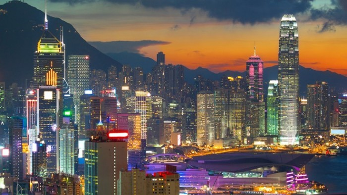 هونغ كونغ البوابة الاقتصادية الرئيسية لبكين على العالم