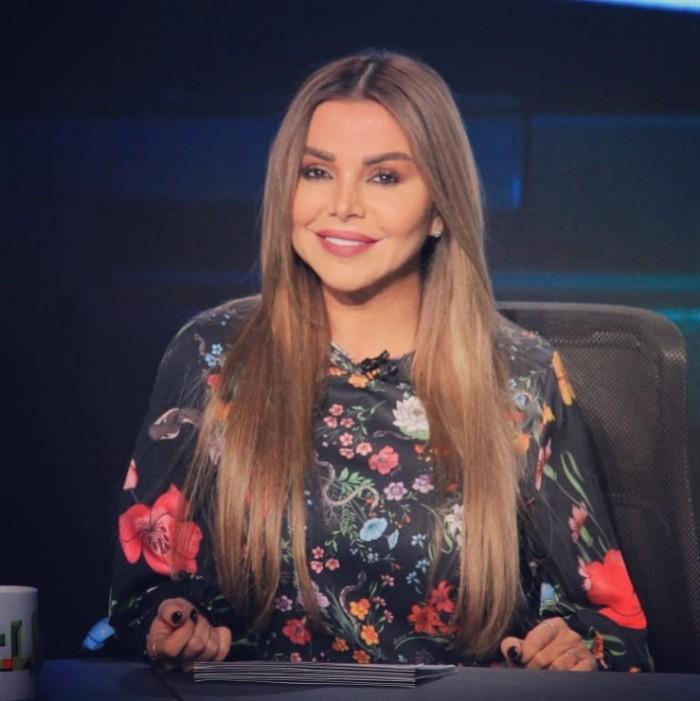 رزان مغربي تنشر صورتها برفقة أحمد حلمي ومنى زكي ونجلتهما