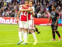 أياكس يتصدر الدوري الهولندي