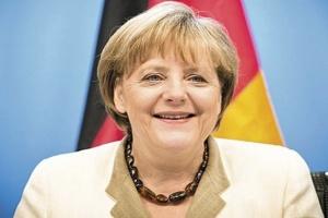 أنجيلا ميركل تشيد بدور المجر فى إعادة توحيد شطري ألمانيا