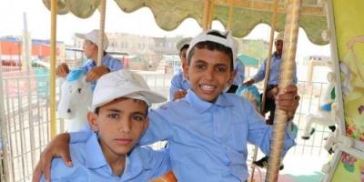 بدعم سعودي.. تنظيم رحلات ترفيهية لـ 420 يتيما في عدة محافظات