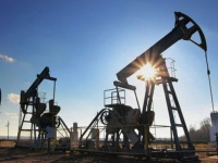 أسعار النفط تشهد ارتفاعًا وسط توقعات بنمو الطلب