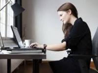 تحذيرات طبية من الجلوس طويلا..تسبب ضمور العضلات