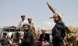 اشتعال الخلافات بين قيادات الحوثي على نهب إيرادات تعز