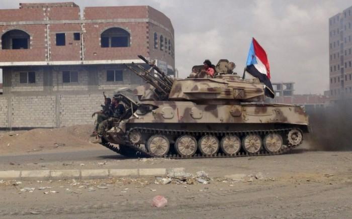 الحزام الأمني يحكم سيطرته الكاملة على معسكر القوات الخاصة في أبين