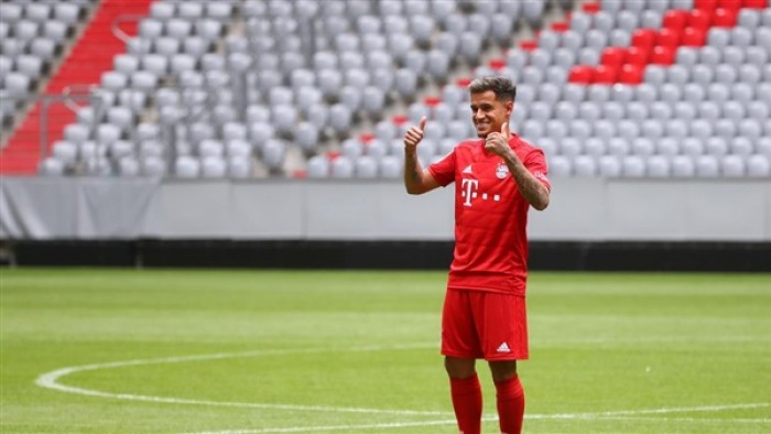 نجم ليفربول يدافع عن كوتينيو بعد تركه لبرشلونة