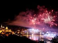 بالصور.. شوارع المجر تحتفل بمناسبة عيد القديس ستيفن