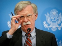 """بولتون: مسؤولون فنزويليون تواصلوا مع أمريكا سرًا بشأن خروج """"مادورو"""""""
