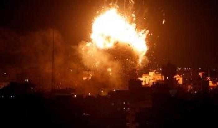 الاحتلال الإسرائيلي يشن غارات جوية على عدة أهداف في قطاع غزة