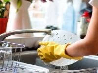 دراسة حديثة تؤكد أن غسيل الصحون يطيل العمر