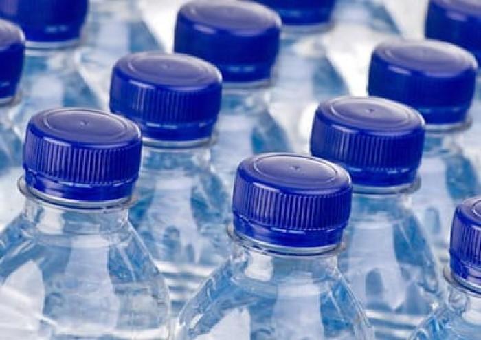 """الصحة العالمية: جزيئات البلاستيك الموجودة في مياه الشرب تمثل خطرا """"محدودا"""""""