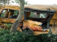 مقتل شخص وإصابة 15 آخرين إثر اصطدام حافلة بالهند