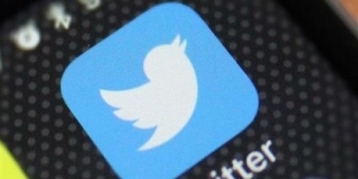 """""""تويتر"""" يراقب حسابات اللاعبين """"السود"""" لوقف العنصرية"""