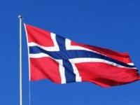 ولي العهد النرويجي يزور مركز النور الإسلامي بعد تعرضه لهجوم مسلح