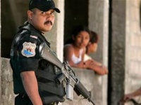 القبض على ستة رجال شرطة على صلة بحادث وقع في ٢٠١٥ بالمكسيك