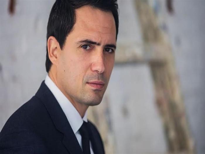 """ظافر العابدين ينشر فيديو جديدة من مسلسله """"عروس بيروت"""""""