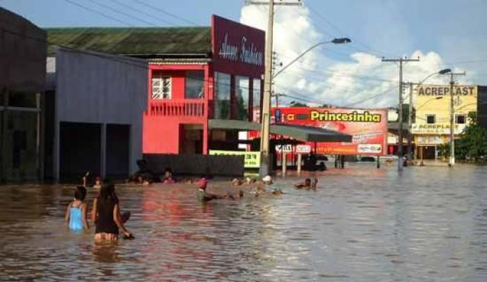 الأمطار تتسبب في مصرع 54 شخصا وأتلف نحو 37 ألف منزل بالسودان