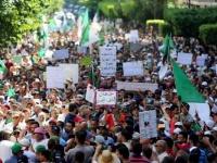 للجمعة الـ27.. الجزائريون يتظاهرون للمطالبة برحيل بقايا النظام السابق