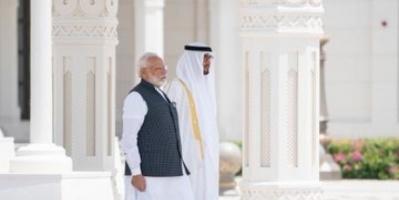 محمد بن زايد يستقبل رئيس وزراء الهند في قصر الوطن بالإمارات (صور)